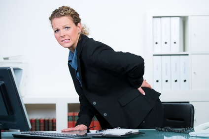 Sind Sie ein Schreibtischtäter? Gehören Rückenschmerzen zu Ihrem Alltag?